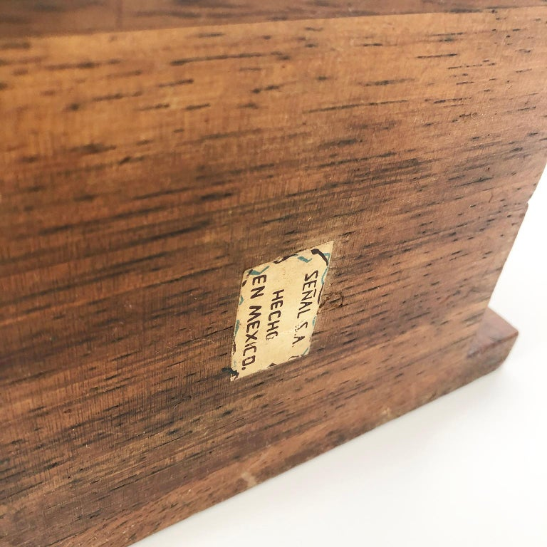 Mexican Don Shoemaker Box with Senal SA, Mexico, Label For Sale