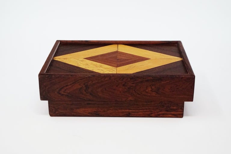 Mid-20th Century Don Shoemaker for Senal S.A. Cocobolo Rosewood Lidded Catch-All Box, Signed For Sale