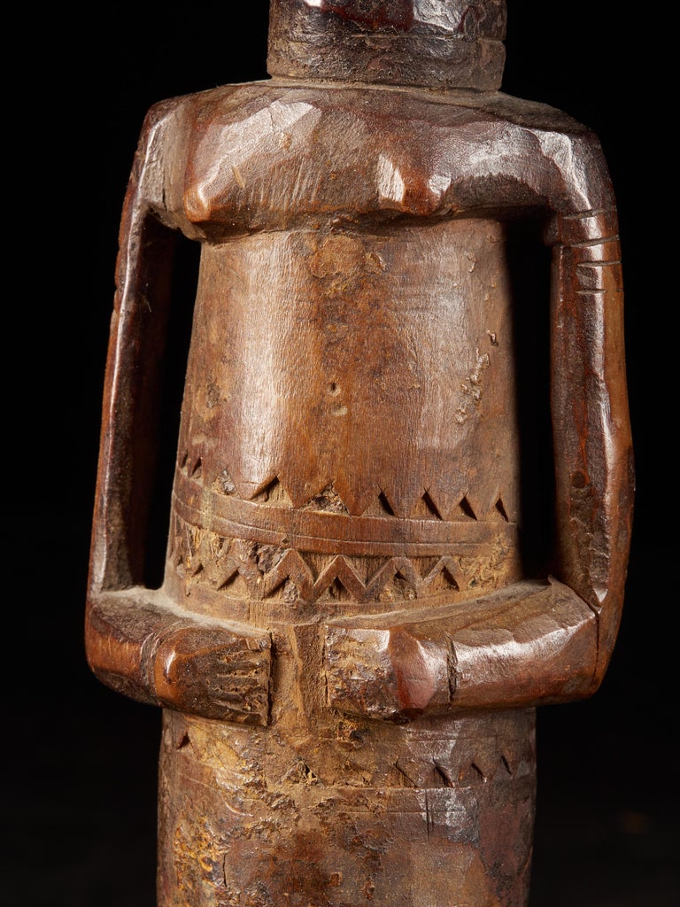Dondo People, DRC, Wooden Statue with Scarified Body, French Private Collection For Sale 3