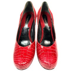 Donna Karan Collections Red Crocodile and Suede Pump Heels Shies Size 38