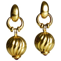 Door Knocker 18 Carat Ribbed Gold Earrings with Ruby Cabochon Finials
