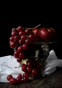 Grapes. From the bodegon series