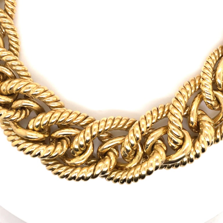 Contemporary Dorfman 18 Karat Yellow Gold Graduated Link Rope Necklace 162.4 Grams Italy For Sale