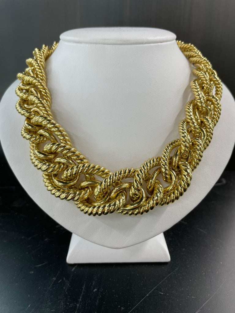 Dorfman 18 Karat Yellow Gold Graduated Link Rope Necklace 162.4 Grams Italy In Excellent Condition For Sale In New York, NY