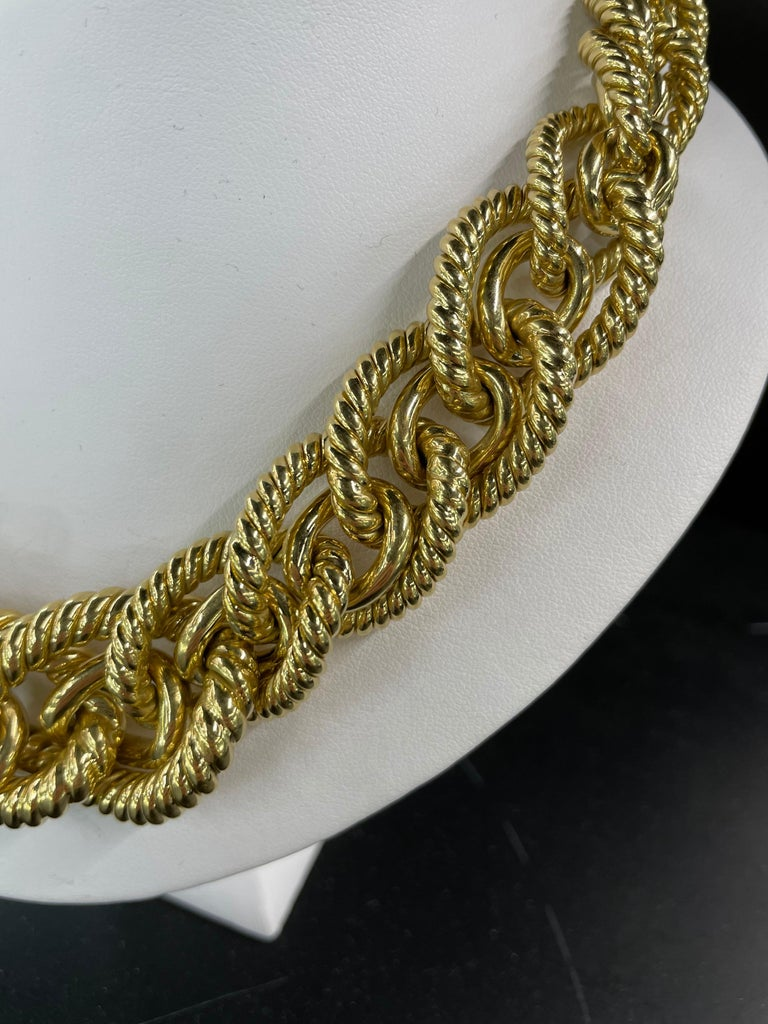 Women's Dorfman 18 Karat Yellow Gold Graduated Link Rope Necklace 162.4 Grams Italy For Sale