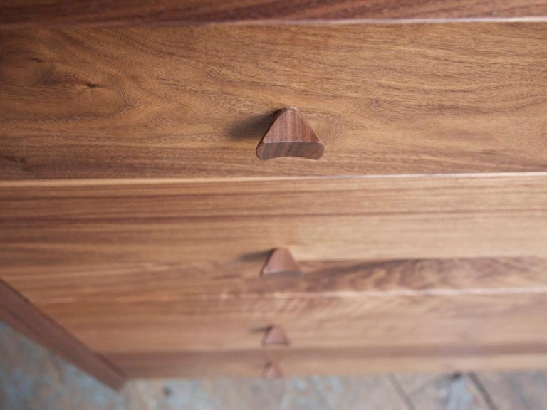 Hardwood Dorothy Bureau, Modern Walnut Chest of Drawers with Turned Legs and Shaped Pulls For Sale