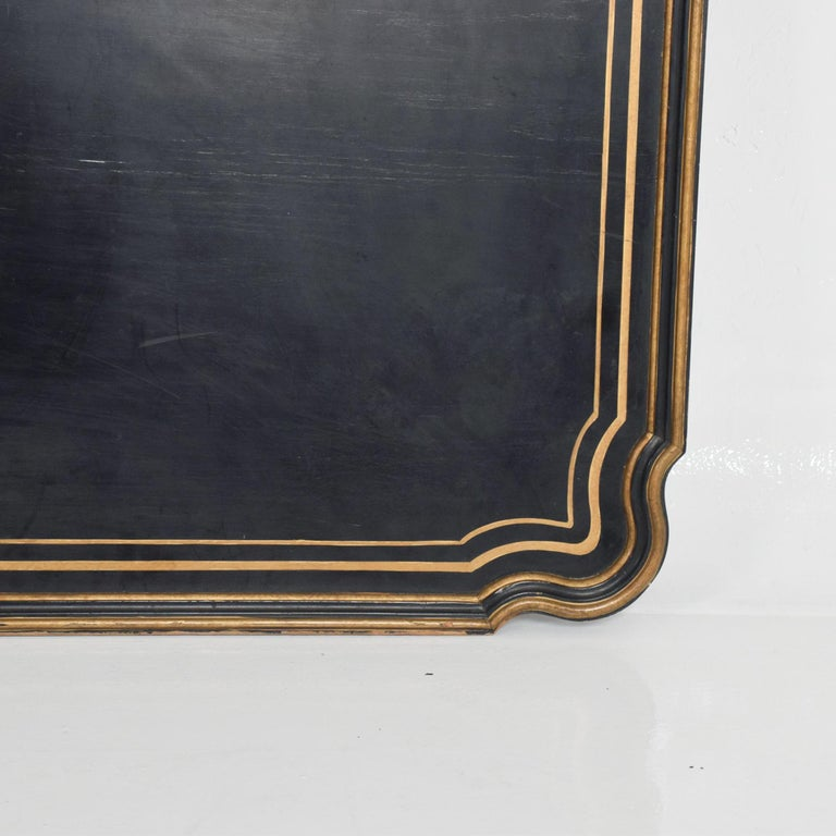 Dorothy Draper Black Coffee Table Top Gold Scallop Trim 1950s Hollywood Regency In Good Condition For Sale In National City, CA