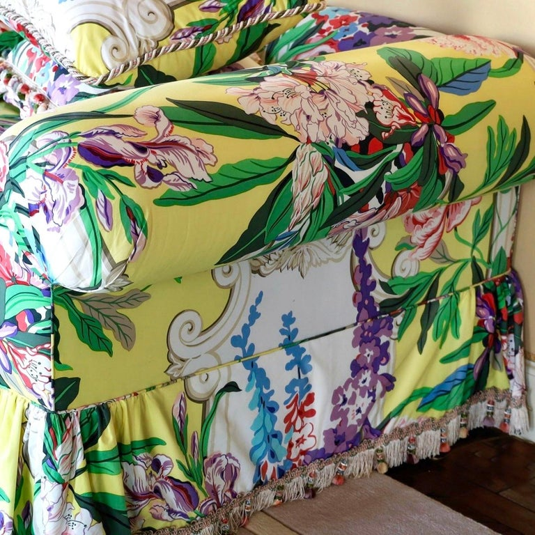 Dorothy Draper Hollywood Regency Baroque Bouquet Sofa, Carleton Varney, Downfill In Good Condition For Sale In Brooklyn, NY