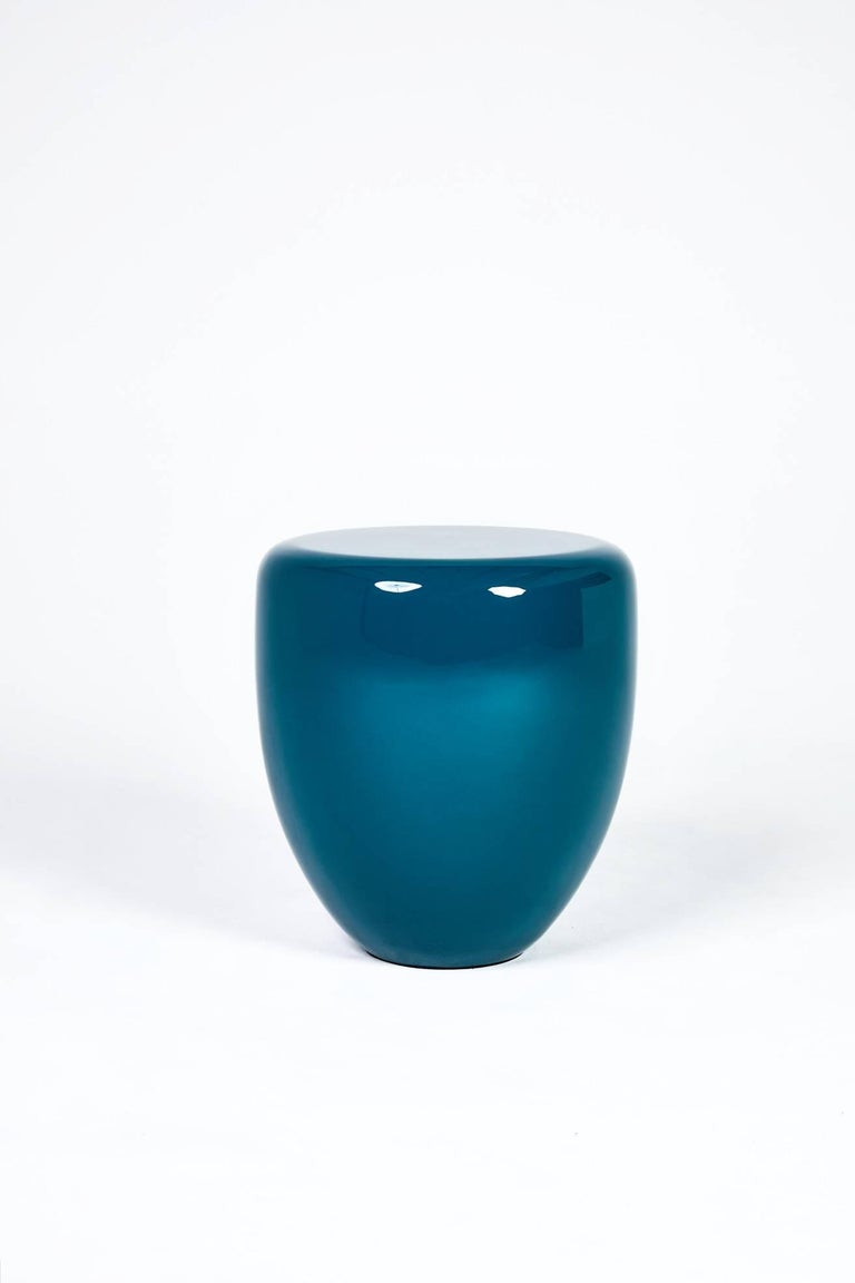 The DOT collection is a contemporary interpretation of the traditional Asian stool. Famous for their originality, but especially their quality, these side table inspired Reda Amalou to create a collection that focused on the material. Very strong