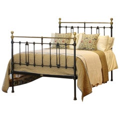 Double Antique Bed in Black, MD97