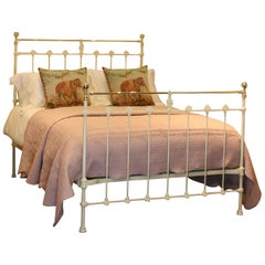 Double Antique Bed in Cream - MD70