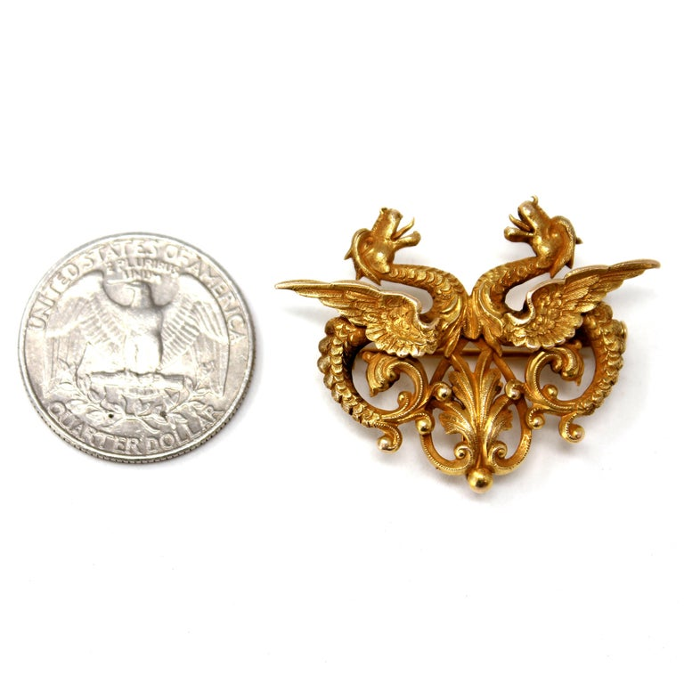 Retro Double Dragon Brooch-Pendant in 14 Karat Yellow Gold For Sale