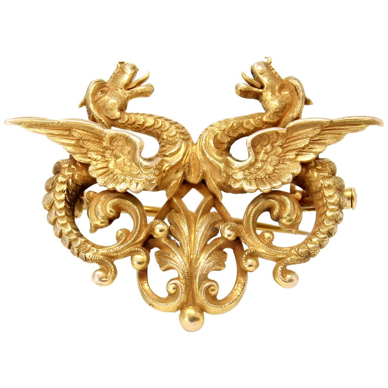 Double Dragon Brooch-Pendant in 14 Karat Yellow Gold For Sale