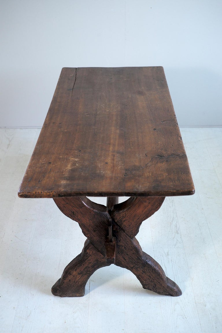 Double Drawer Changer Table, Switzerland 17th Century In Good Condition For Sale In Catonvielle, FR