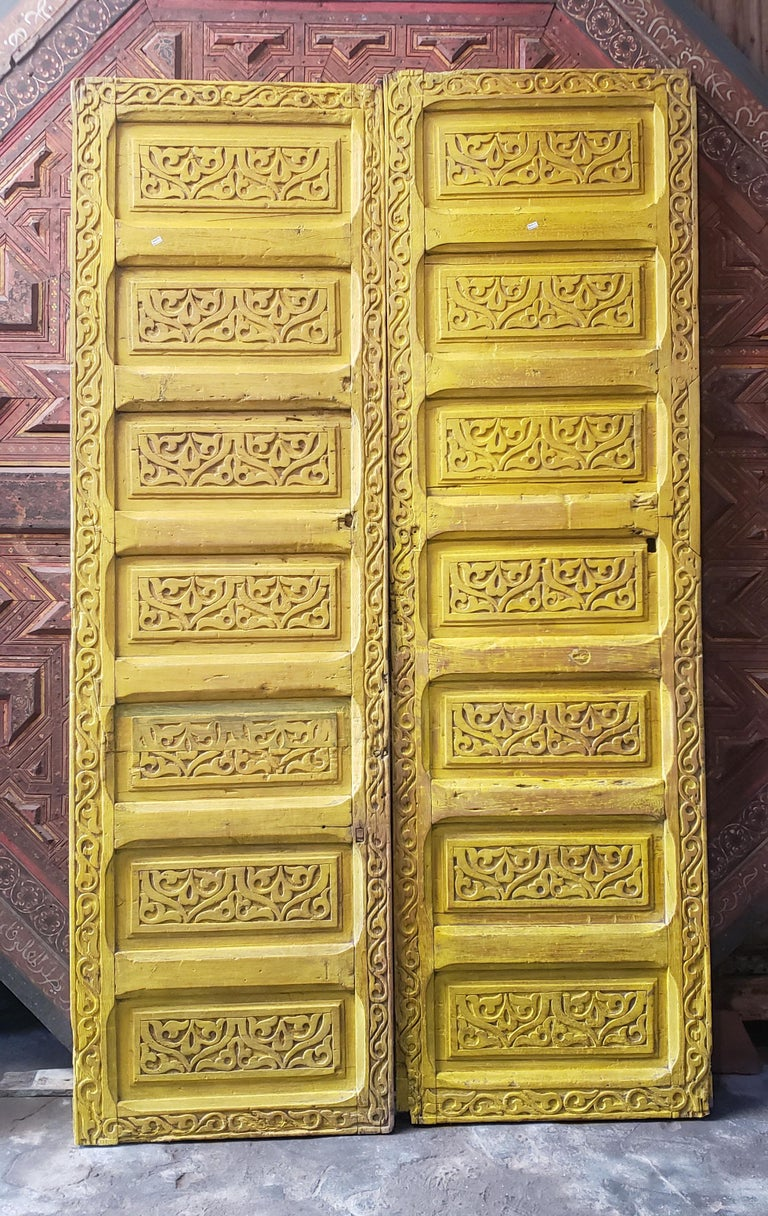 Early 20th Century Double Panel Moroccan Wooden Door, Yellow 23MD39 For Sale
