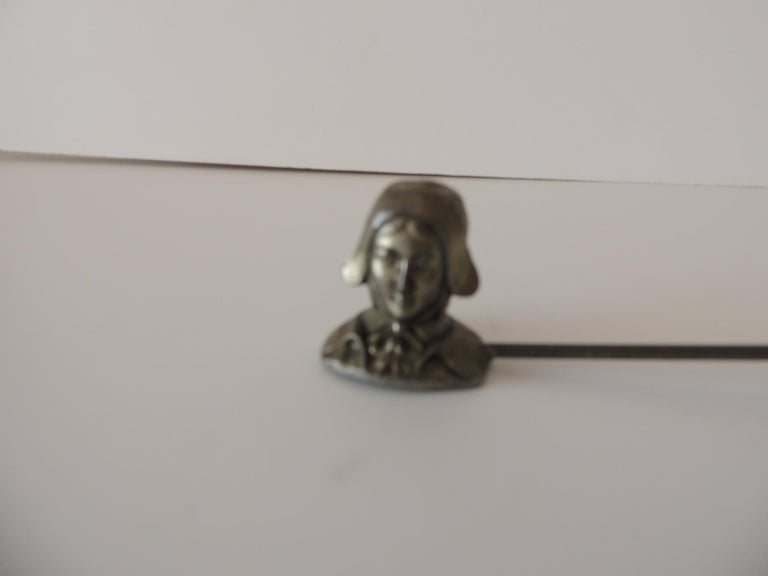 Double Pewter Snuffer with a Pilgrim Man and a Pilgrim Woman Face In Good Condition For Sale In Oakland Park, FL