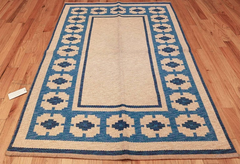 Vintage Double Sided Kilim, Country Of Origin: Sweden, Circa Date: Mid 20th Century — Size: 4 ft 6 in x 6 ft 8 in (1.37 m x 2.03 m).