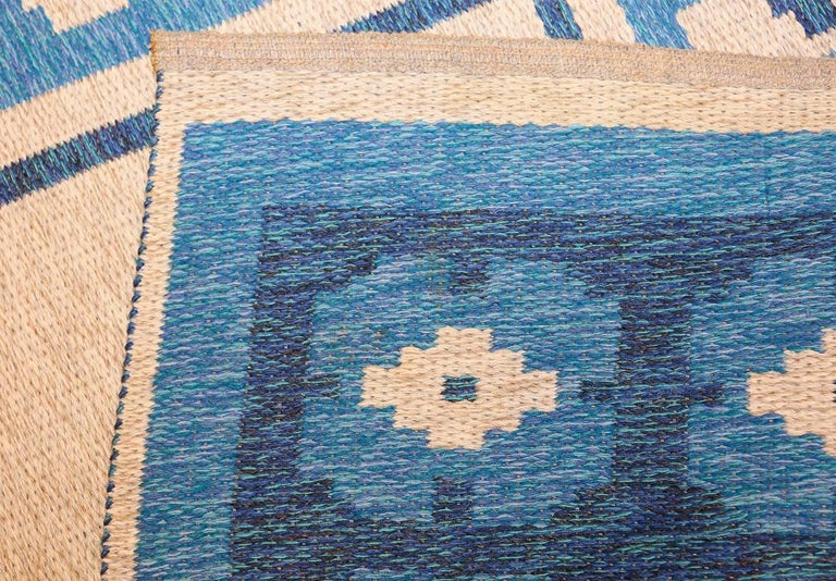 Hand-Woven Double-Sided Blue Vintage Swedish Kilim. Size: 4 ft 6 in x 6 ft 8 in  For Sale