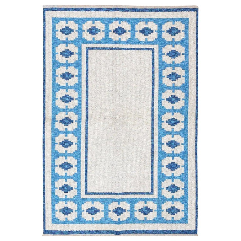 Double-Sided Blue Vintage Swedish Kilim. Size: 4 ft 6 in x 6 ft 8 in  For Sale