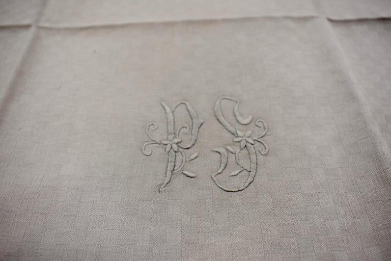 Dove Gray Linen Damask Hand-Embroidered French Provençal Dining Napkins For Sale 2