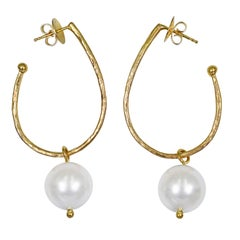 Dove Gray Pearl Charm Hammered 18 Karat Gold Stud Hoop Earrings