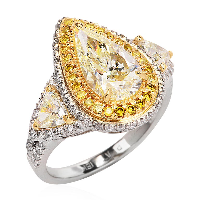 Modern  Diamond Natural yellow Pear Diamond Platinum Gold Engagement Ring For Sale
