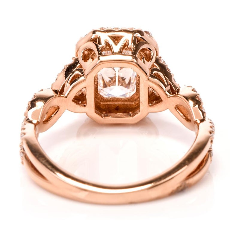 Women's Diamond GIA D-VS1Twisted 18K Gold Halo Cushion Engagement Ring For Sale