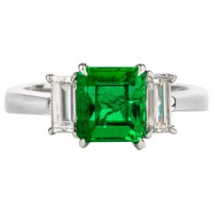 Fine Colombian Emerald Diamond Platinum Three-Stone Ring