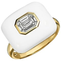 Doves 18 Karat Gold Invisible Set Baguette Emerald Diamond Ring with White Agate