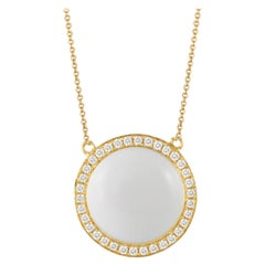 Doves 18 Karat Gold Necklace with Round Cabochon-Cut White Agate and Diamonds