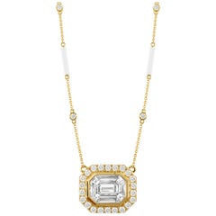 Doves 18K Yellow Gold Invisible Set Baguette Diamond Necklace with White Agate