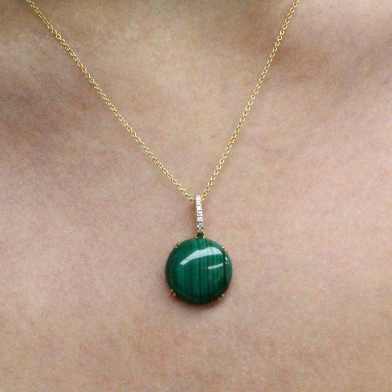 Contemporary Doves 18K Yellow Gold Pendant Necklace w/ Round Cabochon Malachite and Diamonds For Sale