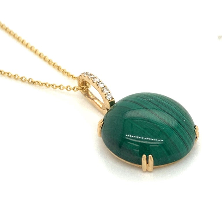 Doves 18K Yellow Gold Pendant Necklace w/ Round Cabochon Malachite and Diamonds For Sale 1