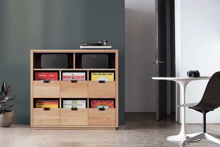 Vegetable Dyed Dovetail for Sonos Vinyl Storage Cabinet with Equipment Shelf For Sale