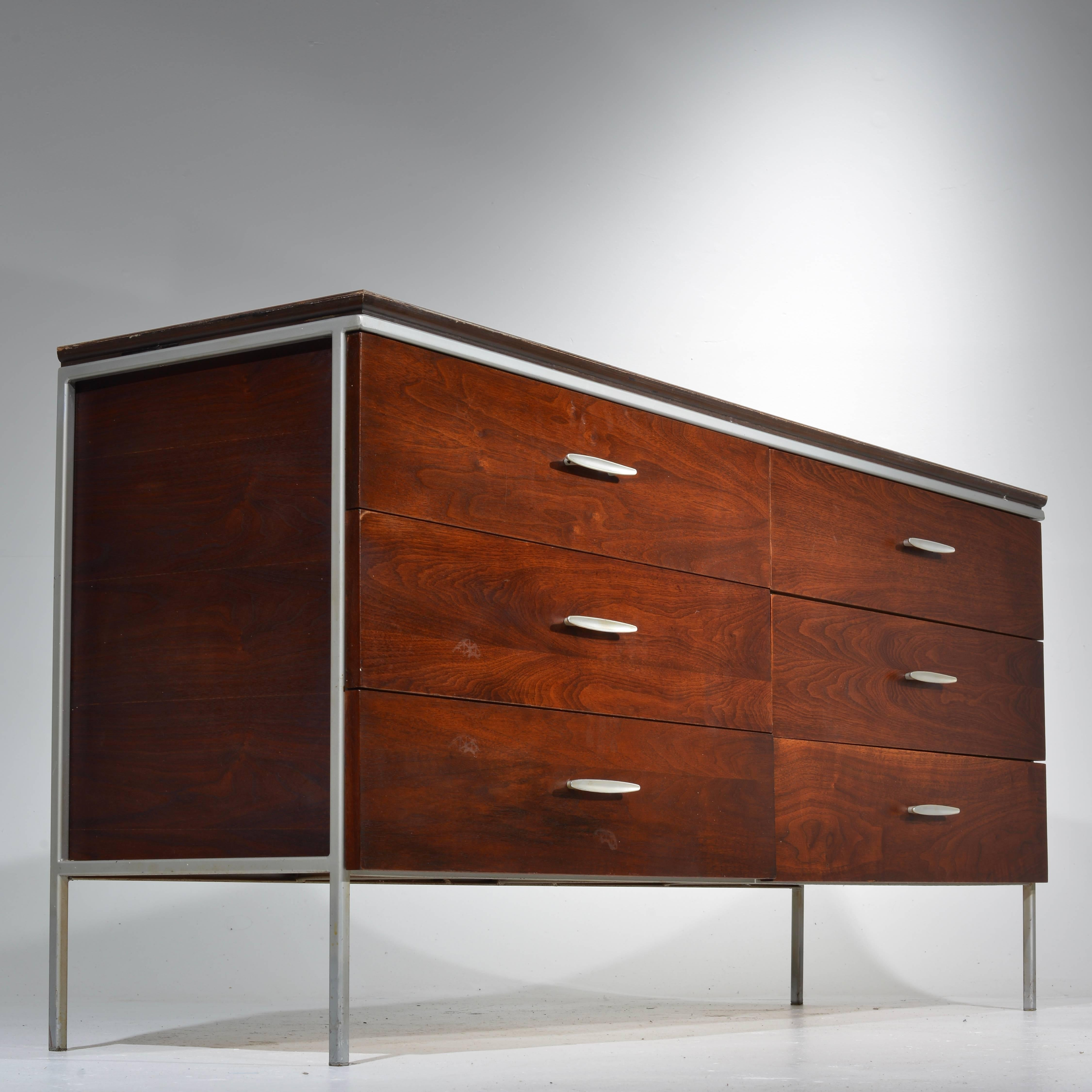 Mid 20th Century D.R. Bates For Vista Of California Walnut And Formica  Bedroom Set For