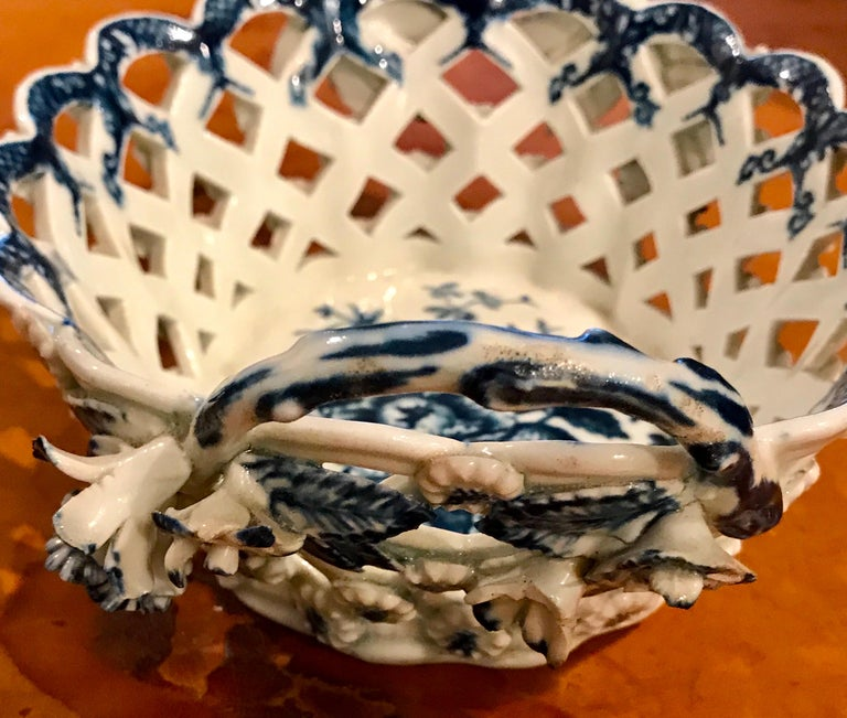 Dr. Wall Period Worcester Porcelain Blue and White Basket For Sale 7