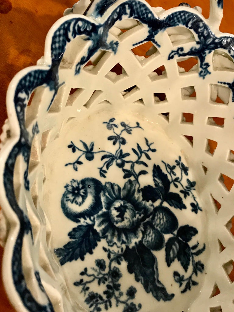 Dr. Wall Period Worcester Porcelain Blue and White Basket For Sale 1