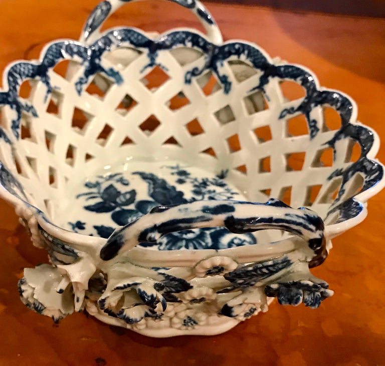 Dr. Wall Period Worcester Porcelain Blue and White Basket For Sale 4