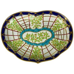Dr. Wall Worcester Hop Trellis Pattern Heart Shaped Dish, England, circa 1760