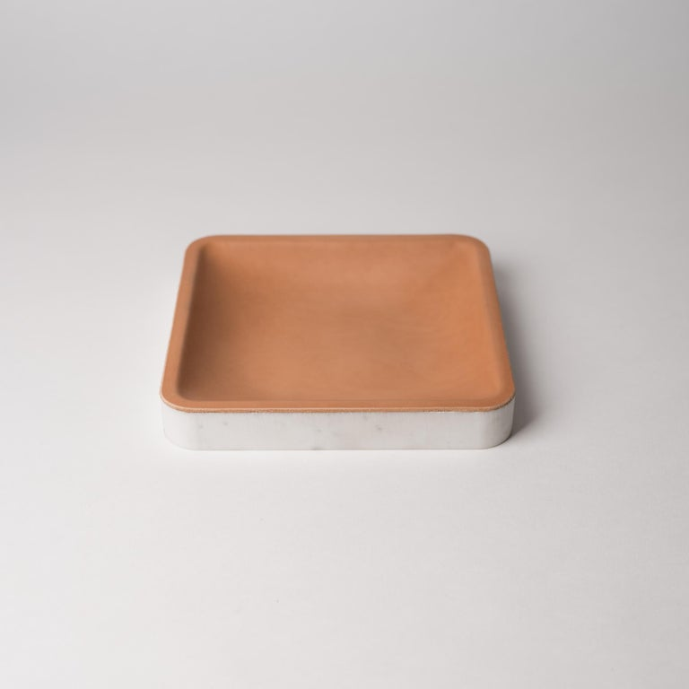 Minimalist Draft Tray, Medium Circle, Marble and Leather Table Top Valet Tray For Sale