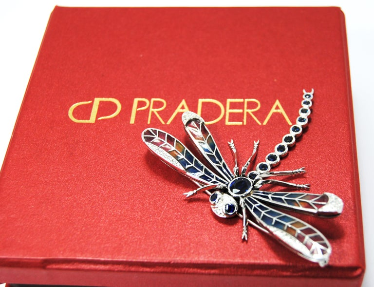 Dragonfly Brooch in 18 Karat Gold Diamonds, Saphires and Plique-á-Jour Wings In Good Condition For Sale In Bilbao, ES