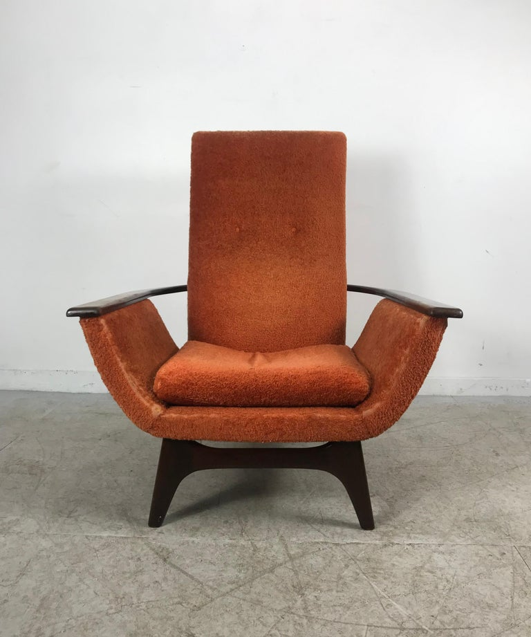 Mid-Century Modern Dramatic Modernist Lounge Chair, Sculpted Walnut by Luigi Tiengo for Cimon For Sale