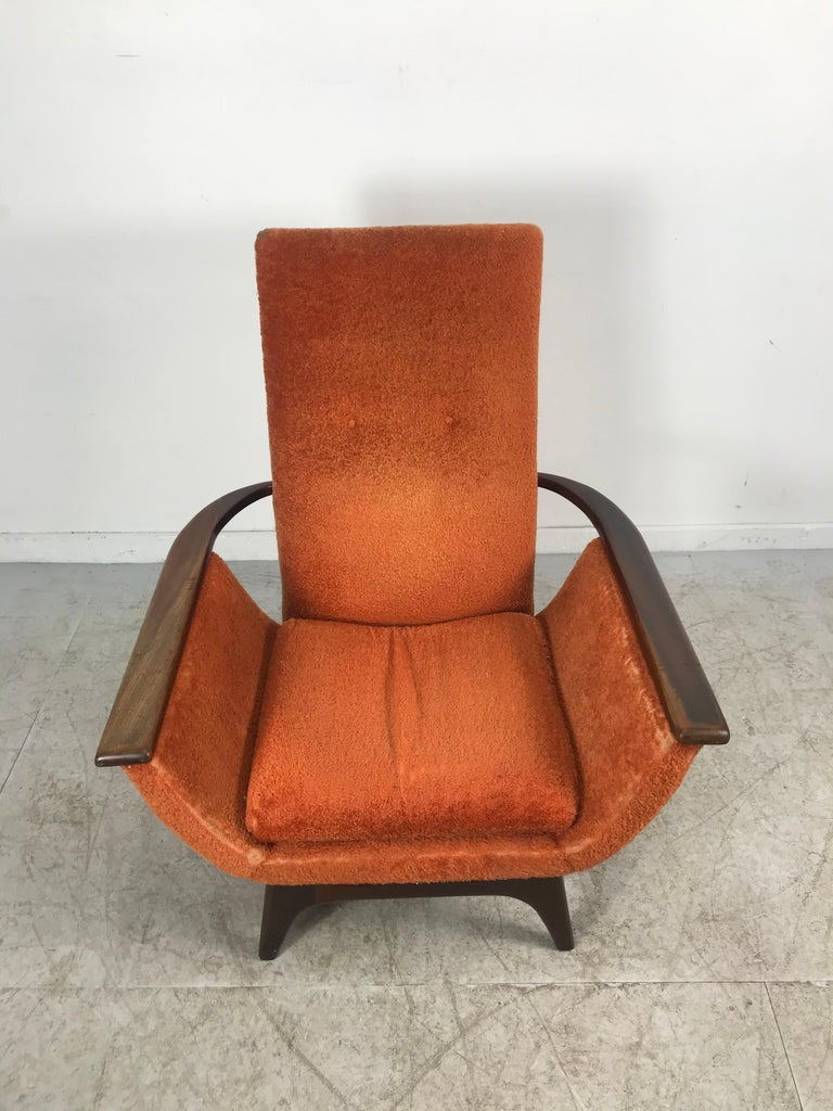 Mid-20th Century Dramatic Modernist Lounge Chair, Sculpted Walnut by Luigi Tiengo for Cimon For Sale