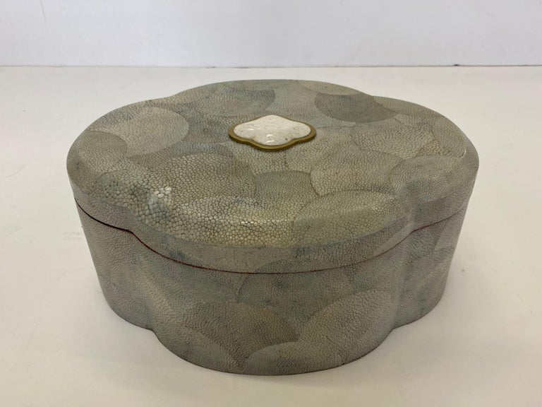 Dramatic Shagreen Lidded Treasure Box In Good Condition For Sale In Hopewell, NJ