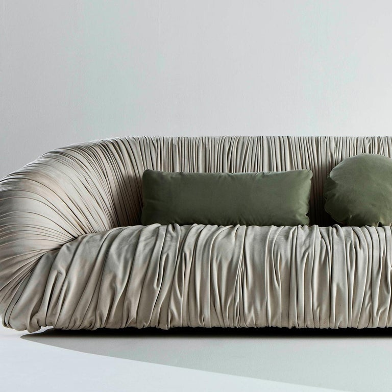 Drapé Sofa In New Condition For Sale In Milan, IT