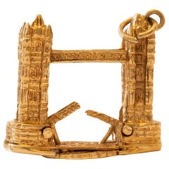 Draw Bridge 3D Large Charm with Moving Parts in 14 Karat Yellow Gold