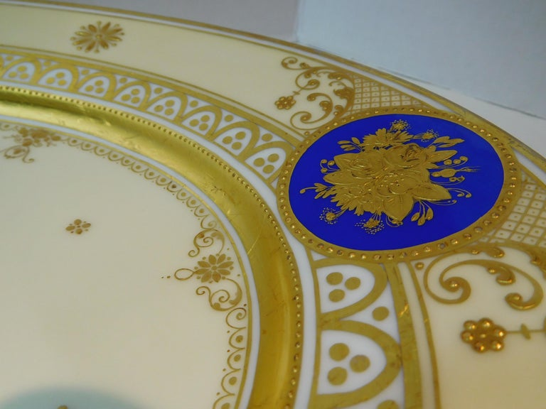 Dresden Porcelain Platter with Gold Incrustation by Ambrosius Lamm, circa 1900 For Sale 3