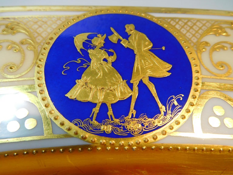 Dresden Porcelain Platter with Gold Incrustation by Ambrosius Lamm, circa 1900 In Good Condition For Sale In Quechee, VT