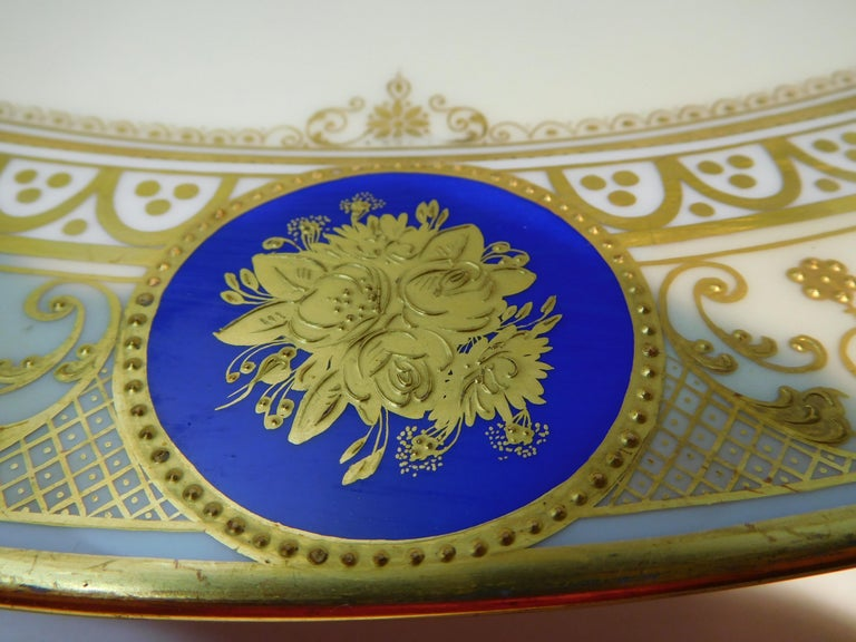 Dresden Porcelain Platter with Gold Incrustation by Ambrosius Lamm, circa 1900 For Sale 1