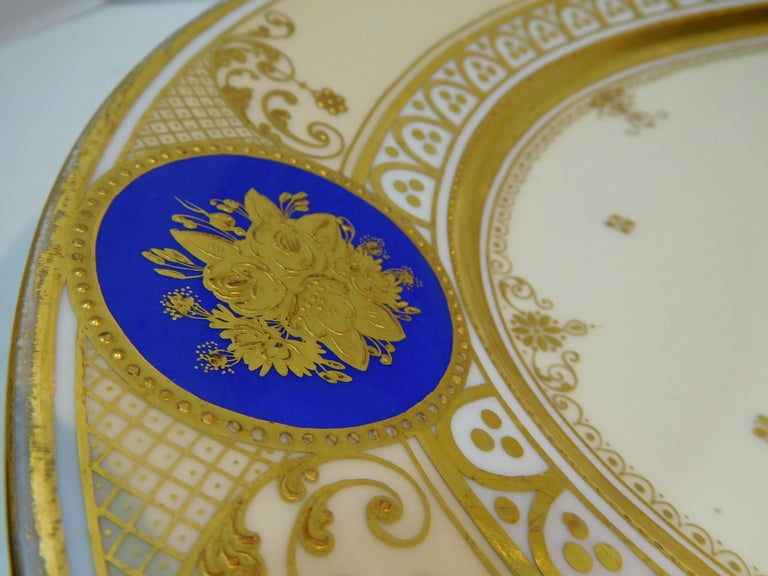 Dresden Porcelain Platter with Gold Incrustation by Ambrosius Lamm, circa 1900 For Sale 2
